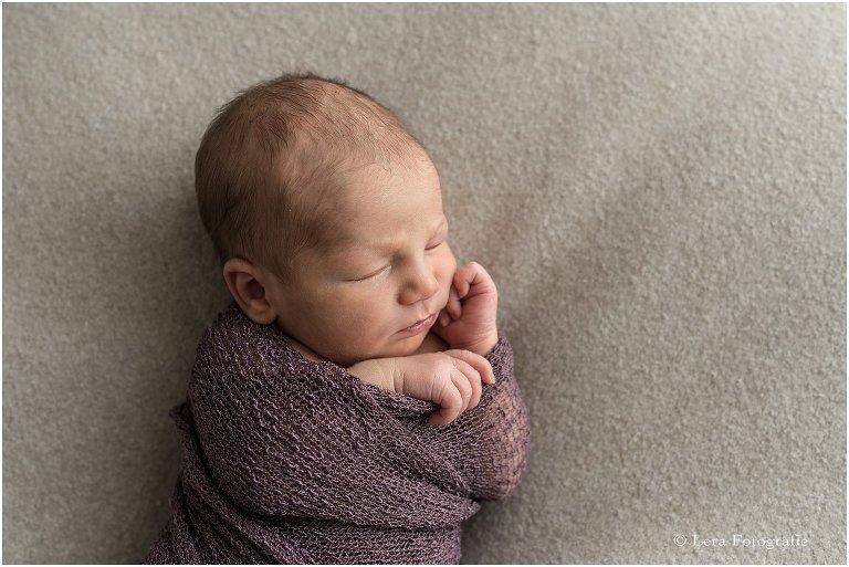 pasgeboren baby fotoshoot aan huis Hoofddorp